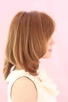2012年春、夏に提案するヘアスタイルはエアリー感とぬけ感がポイントです。カラーは透明感のある<シャーベットカラー>がオススメ。お客様の髪質、骨格、輪郭を把握し必ず似合うヘアスタイルを作ります。小顔効果、骨格矯正CUTは僕にお任せ下さい。このヘアスタイルは年代を問いません。20代~40代、50代と幅広く対応します。  <パーマ>  クセのある方は縮毛矯正を、アフロートの縮毛矯正は毛先にワンカールつけナチュラルな仕上がりになります。アイロン(コテ)を使えない方はパーマがオススメ、ショート~ロングまでafloatの柔らかい質感と曲線、丸みのあるヘアスタイルをお楽しみ下さい。アイロン(コテ)を使える方は基本の使い方から僕がレクチャーしますのでご相談下さい。  <カラー>  今季人気のシャーベットカラーは濁りがなく艶感upと透明感をだす春夏オススメカラーです。色味、明るさはお客様の要望、肌の色、ファッション、メイク、ライフスタイルにあわせて似合うカラーを選定させていただきます。        蝶野のブログhttp://ameblo.jp/kenta0530…