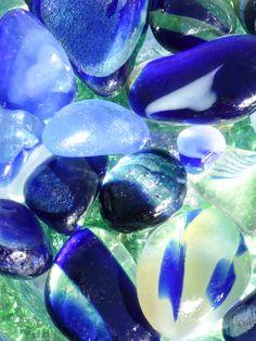 "$40  11x14"" Print by author of The Sea Glass Rush, bevjacquemet@gmail.com ""Peacock"" Glaze Art Sea Glass Multis! Sea Glass Beach, Sea Glass Art, Sea Glass Jewelry, Glass Book, Agates, Reno Ideas, Peacock, Glaze, Rocks"