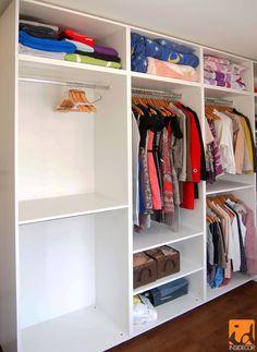 Compartimentare mobilier pentru dressing. Mai multe detalii despre mobilier gasiti pe insidecor.ro!