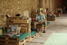 europaletten Ideen für Palettenmöbel lesen sitzecke straße