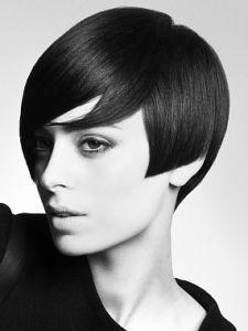 L'autunno inverno 2016 vedrà protagonisti i tagli capelli anni '70, e le colorazioni sobrie di quel bellissimo e innovativo periodo. L'old style prima o poi ritorna, e per la stagione fredda avrem…