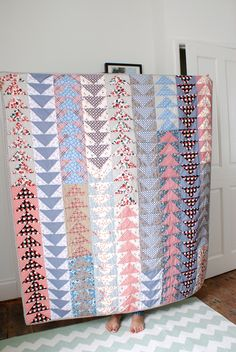 MessyJesse: Flying Geese Quilt Finish!