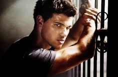 Taylor Lautner as Jacob Black Jacob Black Twilight, Die Twilight Saga, Twilight Series, Twilight Movie, Nikki Reed, Taylor Lautner, Kristen Stewart, Sharkboy And Lavagirl, Tyler Perry