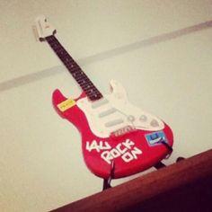 Mi guitarra en el cuarto de Lau gcihcovxf