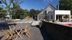 contemporary-reinterpretation-classic-barn-holland-10-gravelscaping.jpg