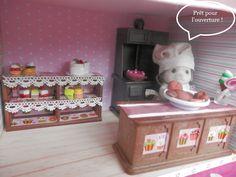 Créations d'une pâtisserie pour nos sylvanian families Sweet Little Things, Dollhouse Ideas, Sylvanian Families, Doll Crafts, Doll Houses, Lps, Creations, Miniatures, Boutique