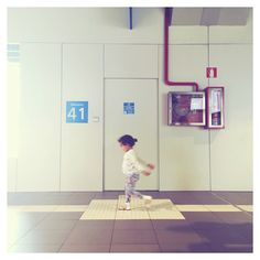 Waiting  #afterligth #jueves #station #floor #kid #iphone #instamood #composition #play