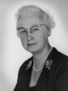 """Dr Virginia Apgar she developed the """"Apgar Score"""" system to test the health of newborn infants by delivery room personnel. In she became the first woman to hold a full professorship on Columbia University's medical faculty. Medical Careers, Medical News, Virginia Apgar, Apgar Score, Infant Mortality, March Of Dimes, Baby Care Tips, Medical Students, Exercises"""