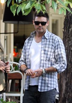 Karl Urban. SubCategory A: Watch Kink Activated. SubCategory B: Spectacle Kink is Detrimental To My Retinal Health.  SubCategory C: Have I Told You (You Gorgeous, Perfect Bastard) Lately That I Hate You.