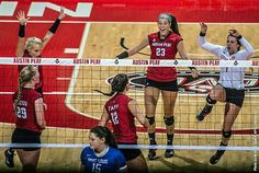 Kaitlyn Teeter leads APSU Volleyball to comeback win over Middle Tennessee