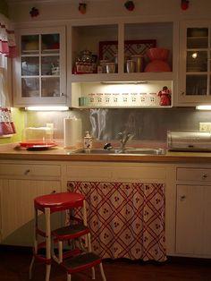 25 Inspiring Retro Kitchen Designs   House Design And Decor