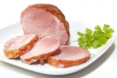 The traditional Easter ham can be eaten warm or cold cut at the Easter brunch. A really simple recip Easter Ham, Easter Brunch, Sauerkraut, Spareribs, Cold Cuts, Easter Traditions, Steak, Easy Meals, Easter Ideas