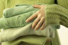 Spring cleaning can be done in an enjoyable way when using feng shui. It can also help you achieve powerful results. Here are some proven-and-true feng shui tips to help with spring cleaning your home. Best Dryer, Feng Shui Tips, Front Load Washer, Zara, Laundry Hacks, Laundry Rooms, Furniture Placement, Fabric Softener, Make Time