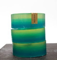 Follow this simple ombre soap tutorial and homemade soap recipe to learn how to make these lovely ombre ocean rain scented melt and pour soaps!