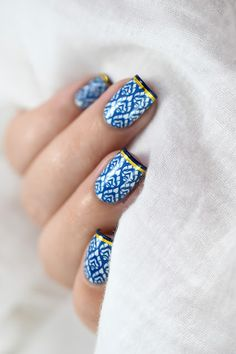 épinglé par ❃❀CM❁✿Marine Loves Polish: Blue Madness - MoYou Asia 10 & Midnight Madness - Stamping - French Manicure - striping tape