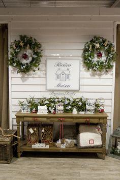 De sidetable helemaal omgetoverd in de Rivièra Maison kerstsfeer.