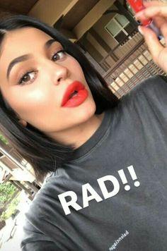 Kylie Jenner Hair, Kardashian Jenner, Goddess Makeup, Kylie Jenner Makeup, Celebs, Celebrities, Makeup Looks, Short Hair Styles, Snapchat Ideas