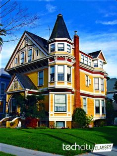 """Series of architecture photographs in Alameda, California, a part of the TechCityClasses Cultural Trip """"California Dreamin""""."""