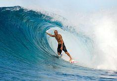 Surfing (Kelly Slater)