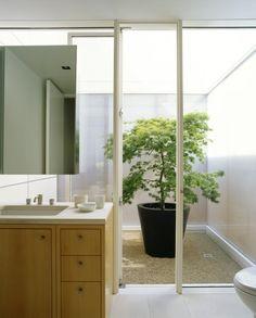 Garden: Bathroom With Indoor Garden Courtyard Modern Single House Design With Glass Door And White Interior Color Decorating Ideas