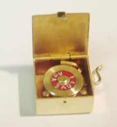 Vintage 14k Gold Enamel Movable Phonograph Record Player Charm