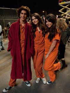Locked Up - Victorious Victorious Nickelodeon, Icarly And Victorious, Tori Vega, Victoria Justice, Tori And Beck, Beck Oliver, Prison Jumpsuit, Hollywood Arts, Nickelodeon Shows