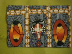 Pochette africaine, partie en Touraine.