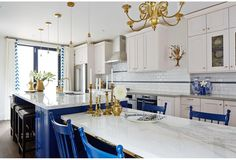 Calacatta quartzite countertops, kitchen top, table top Sarah Richardson Kitchen, Blue White Kitchens, Royal Blue And Gold, Blue Gold, Navy Blue, Cobalt Blue, Navy Color, Classic Kitchen, French Kitchen