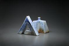 青曹達花器 Bookends, Pottery, Vase, Home Decor, Ceramica, Interior Design, Vases, Pots, Home Interior Design