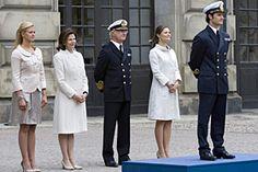 Celebrations at the Royal Palace to mark Prince Carl Philip's 30th birthday. 13 May 2009.