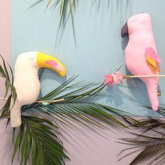 Poésie et douceur  Toucan et cacaotès @scalaeandco repérés sur @iloveplaytime • Lot's of softness and poetry with the @scalaeandco birds spotted at @iloveplaytime ✨