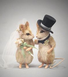 This custom made cake topper is just gorgeous. A definite heirloom piece to be handed down from generation to generation. by R John Wright Dolls - Forever Bride & Groom Bride And Groom Cake Toppers, Wedding Cake Toppers, Felt Flower Bouquet, John Wright, Felt Mouse, Cute Stuffed Animals, Cute Mouse, Felt Art, Felt Animals