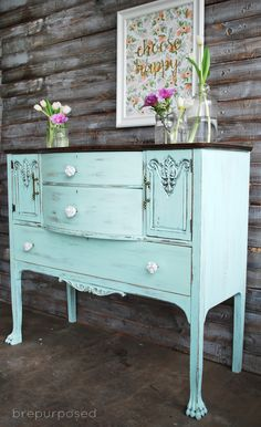 DIY: Oak Buffet, Painted and Distressed, with Americana Decor Chalky Finish Paint - via Bre Purposed