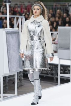 Chanel Autumn/Winter 2017 Ready to Wear Collection | British Vogue