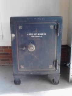 1000 images about antique safes on pinterest antique safe antiques and canton ohio. Black Bedroom Furniture Sets. Home Design Ideas