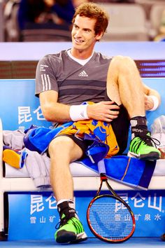 Andy Murray @JugamosTenis Wimbledon Tennis, Leg Thigh, Sport Tennis, Andy Murray, World Of Sports, Tennis Players, Boxer, Thighs, Athlete