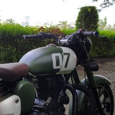 Royal Enfield Wallpapers, Enfield Thunderbird, Bullet Bike Royal Enfield, Motorcycle Equipment, Enfield Classic, Cafe Bike, Street Bikes, Cool Bikes, Motorcycles