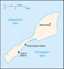 Jan Mayen is an island between Greenland and Norway in the Arctic Ocean, administered by Norway. The island has 18 inhabitants, employed by the Norwegian Armed Forces or the Norwegian Institute of Meteorology. Oslo, Bear Island, Scandinavian Countries, Meteorology, Midnight Sun, Archipelago, Arctic, Norway