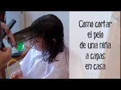 Cómo cortar el pelo en capas tu misma a una niña - YouTube