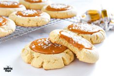 These quick and easy Salted Caramel Cookies are delicious. Salted Caramel Cookies, Easy Peanut Butter Cookies, Peanut Butter Cookie Recipe, Spice Cookies, Sugar Cookies, Cookie Recipes, Dessert Recipes, Salted Caramels, Shortbread Cookies