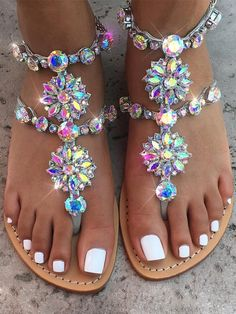SCHUHE Goldene runde Zehen flache Strasskette Mode Sandalen Your Attitudes Are The Clothes Of Your S Bling Sandals, Cute Sandals, Sandals For Sale, Flat Sandals, Women's Shoes, Shoe Boots, Golf Shoes, Shoe Vamp, Jeweled Sandals