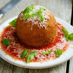 Giant Rice Ball - Food and Drink Tasty Videos, Food Videos, Great Recipes, Favorite Recipes, Arroz Frito, Good Food, Yummy Food, Diy Food, No Cook Meals