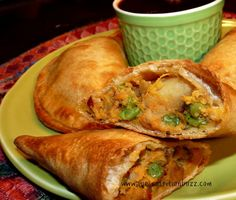 Baked Samosas Stuffed With Sweet Potatoes & Peas #vegan