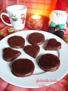 Isler > a legfinomabb! - hagyományos, és rendhagyó szív alakban :) Chocolate Fondue, Ale, Muffin, Food, Mint, Cooking, Ale Beer, Essen, Muffins