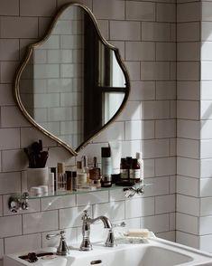 Retro Home Decor Home Interior, Interior And Exterior, Interior Decorating, Interior Modern, Decoration Design, Deco Design, Bathroom Inspiration, Home Decor Inspiration, Decor Ideas