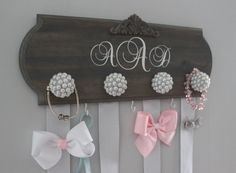 bow holder monogram hair bow holder bow organizer by WinsomeWalls Diy Baby Gifts, Baby Girl Gifts, Baby Girl Hair Bows, Girl Headbands, Flower Headbands, Headband Baby, Flower Hair, Bow Hanger, Barrettes