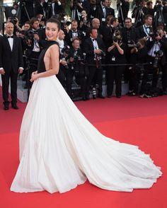 Cannes 2016 - Li Bing Bing in Stephane Rolland haute couture - Day 1 (cérémonie d'ouverture - montée des marches Cafè Society)