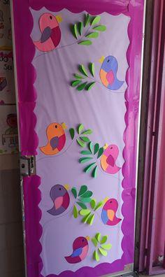 School Board Decoration, School Door Decorations, Art Drawings For Kids, Art For Kids, Crafts For Kids, Preschool Classroom Decor, Preschool Crafts, Decoration Creche, School Doors