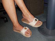 Risultati immagini per dr scholl pescura Clog Sandals, Slide Sandals, Strap Sandals, Clogs, Dr Scholls Sandals, Wooden Sandals, Outdoor Wear, Walk On, Sexy Feet