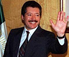 El candidato priista Luis Donaldo Colosio, fue asesinado, en su lugar pusieron a Ernesto Zedillo como nuevo candidato.